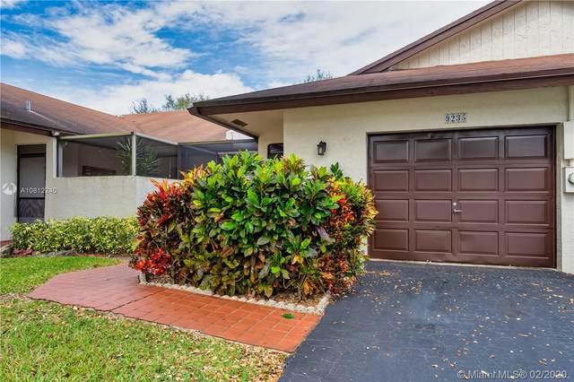 9235 NW 61st St #9235, Tamarac, FL 33321 (MLS #A10812240) :: Green Realty Properties