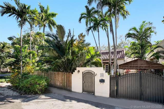 1866 Wa Kee Na Dr, Coconut Grove, FL 33133 (MLS #A10812687) :: Ray De Leon with One Sotheby's International Realty
