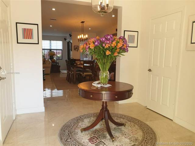 10355 NW 70th Ln, Doral, FL 33178 (MLS #A10812966) :: Berkshire Hathaway HomeServices EWM Realty