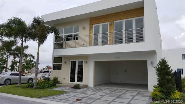 9749 NW 74th Ter, Doral, FL 33178 (MLS #A10813202) :: Berkshire Hathaway HomeServices EWM Realty