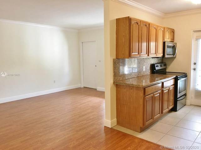95 Edgewater Dr #204, Coral Gables, FL 33133 (MLS #A10813621) :: The Howland Group