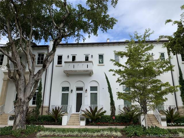 637 Santander Ave, Coral Gables, FL 33134 (MLS #A10813704) :: The Riley Smith Group