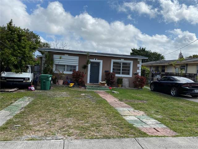 3849 SW 90th Ave, Miami, FL 33165 (MLS #A10813786) :: The Riley Smith Group