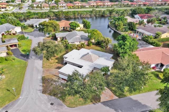 4910 Bayberry Ln, Tamarac, FL 33319 (MLS #A10814144) :: The Adrian Foley Group