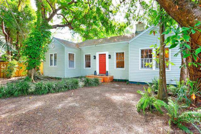 3820 Kumquat Ave, Coconut Grove, FL 33133 (MLS #A10814453) :: Ray De Leon with One Sotheby's International Realty
