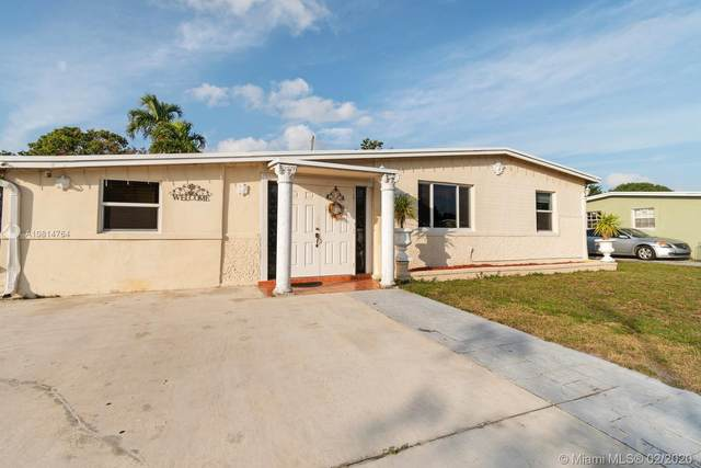 4611 SW 40th St, West Park, FL 33023 (MLS #A10814764) :: The Teri Arbogast Team at Keller Williams Partners SW