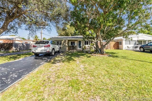 1323 NE 178th St, North Miami Beach, FL 33162 (MLS #A10815002) :: The Riley Smith Group