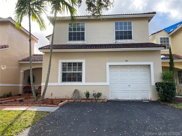 961 SW 178th Way, Pembroke Pines, FL 33029 (MLS #A10815335) :: United Realty Group