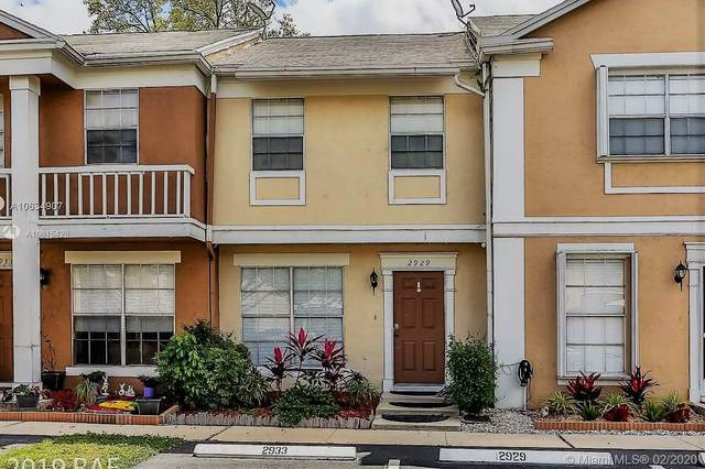 2929 Cambridge Ln #2929, Cooper City, FL 33026 (MLS #A10815428) :: Berkshire Hathaway HomeServices EWM Realty