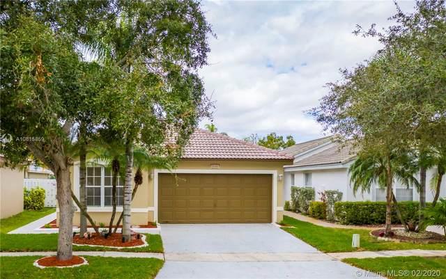 18004 SW 29th Ct, Miramar, FL 33029 (MLS #A10815859) :: Berkshire Hathaway HomeServices EWM Realty