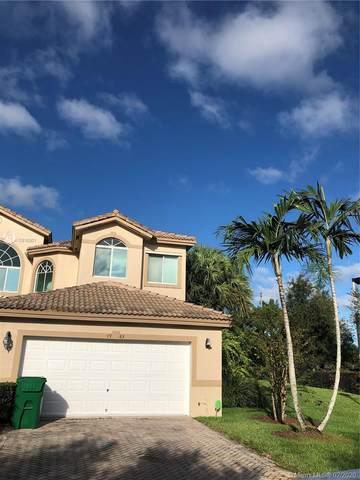Davie, FL 33328 :: Berkshire Hathaway HomeServices EWM Realty