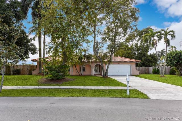 1001 NW 99th Ave, Plantation, FL 33322 (MLS #A10817173) :: Grove Properties