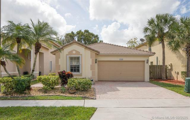 17036 NW 12th St, Pembroke Pines, FL 33028 (MLS #A10817186) :: United Realty Group
