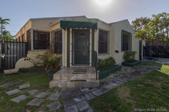 1680 SW 16th St, Miami, FL 33145 (MLS #A10817197) :: The Riley Smith Group