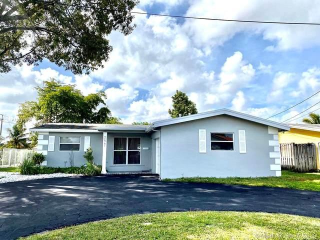 2561 NW 87th Ave, Sunrise, FL 33322 (MLS #A10817514) :: Berkshire Hathaway HomeServices EWM Realty