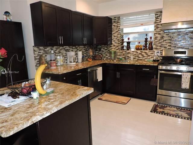 1658 Madison St, Hollywood, FL 33020 (MLS #A10817647) :: Berkshire Hathaway HomeServices EWM Realty