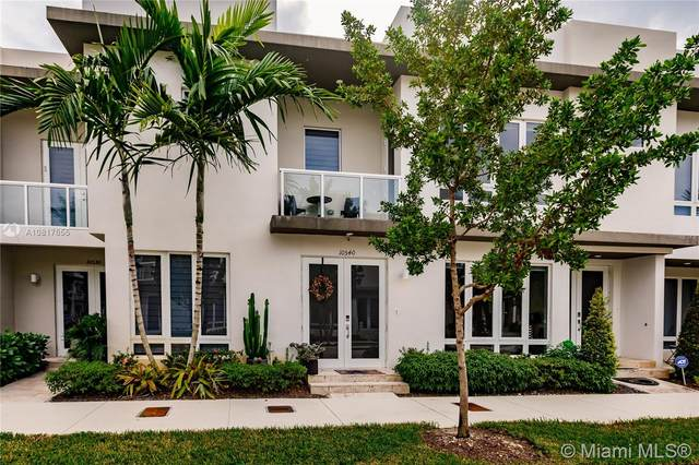 10540 NW 63rd Ter #10540, Doral, FL 33178 (MLS #A10817655) :: Berkshire Hathaway HomeServices EWM Realty