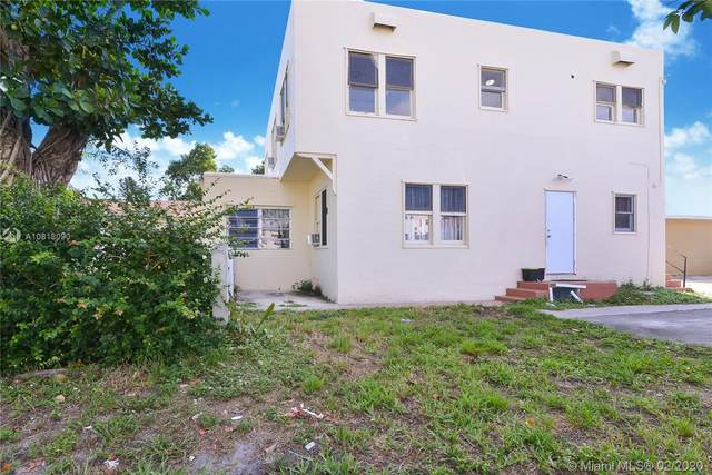 1944 Taylor St, Hollywood, FL 33020 (MLS #A10818090) :: Castelli Real Estate Services