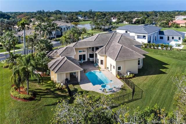 10891 Northstar St, Davie, FL 33324 (MLS #A10818263) :: Grove Properties