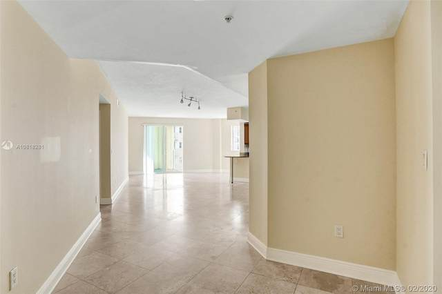 7275 SW 90th St C410, Miami, FL 33156 (MLS #A10818281) :: Green Realty Properties