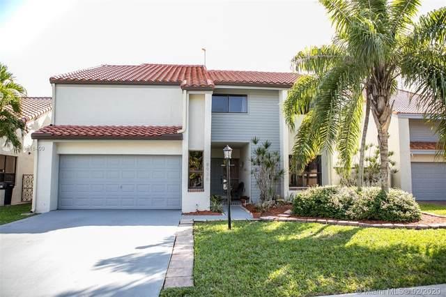 8936 SW 150th Ct Cir E, Miami, FL 33196 (MLS #A10818409) :: Berkshire Hathaway HomeServices EWM Realty