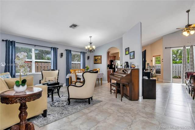 2066 NW 171st Ave, Pembroke Pines, FL 33028 (MLS #A10818562) :: United Realty Group