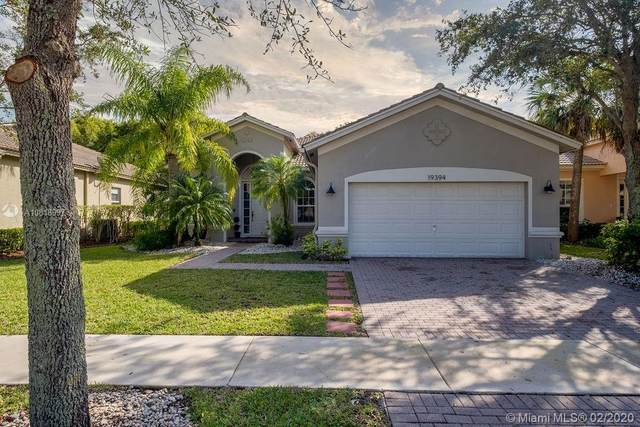19394 S Whitewater Ave, Weston, FL 33332 (MLS #A10818997) :: Berkshire Hathaway HomeServices EWM Realty