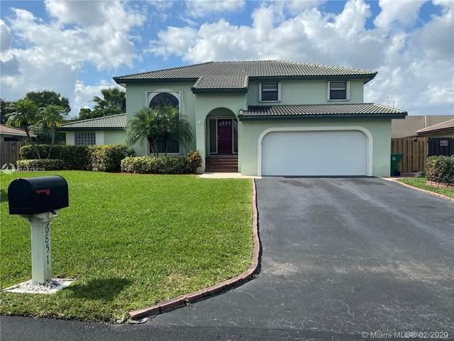 6851 W Wedgewood Ave, Davie, FL 33331 (MLS #A10819829) :: The Levine Team
