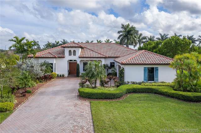 8820 Parkside Estates Dr, Davie, FL 33328 (MLS #A10819951) :: Grove Properties