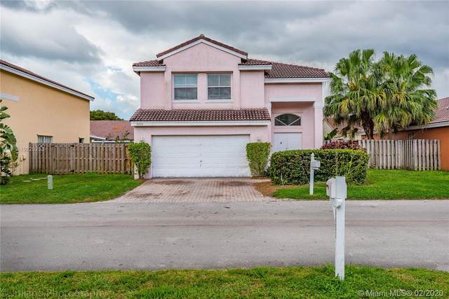 6630 Saltaire Ter, Margate, FL 33063 (#A10820253) :: Realty100