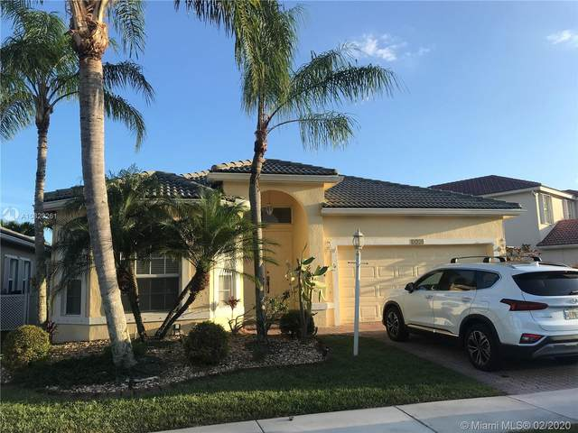 4729 NW 120th Dr, Coral Springs, FL 33076 (MLS #A10820261) :: RE/MAX