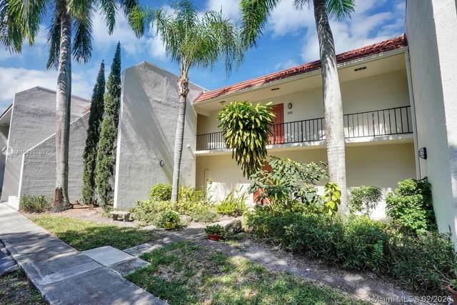 1639 Embassy Dr #202, West Palm Beach, FL 33401 (MLS #A10820795) :: Albert Garcia Team