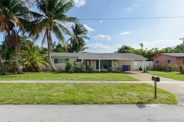 908 SE 13th St, Deerfield Beach, FL 33441 (MLS #A10820925) :: The Levine Team