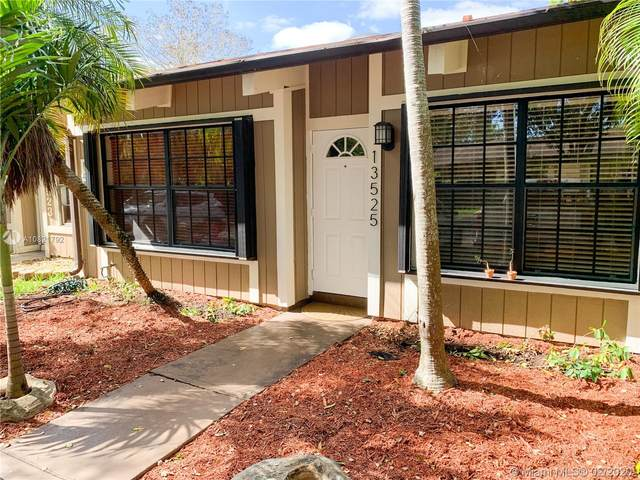 13525 SW 101st Ln, Miami, FL 33186 (MLS #A10821792) :: Green Realty Properties