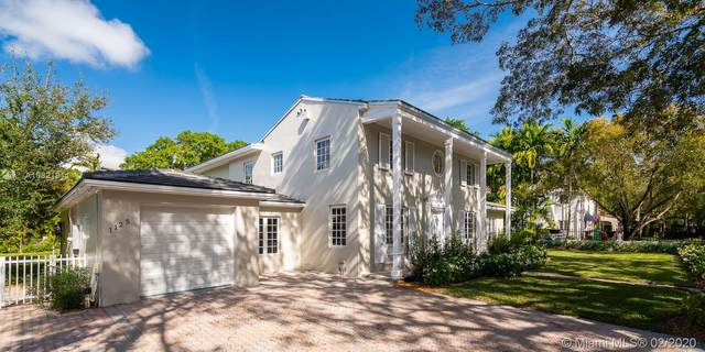 1125 Alhambra Cir, Coral Gables, FL 33134 (MLS #A10821911) :: Ray De Leon with One Sotheby's International Realty