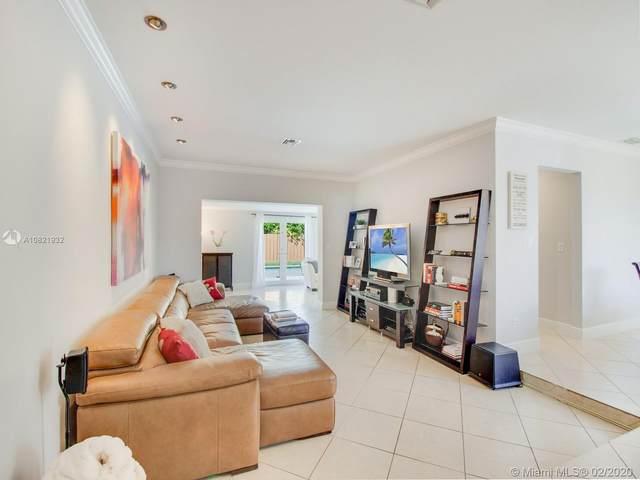 1612 SW 99th Pl, Miami, FL 33165 (#A10821932) :: Real Estate Authority