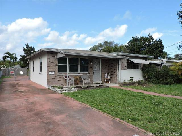 2707 Grant St, Hollywood, FL 33020 (#A10822086) :: Real Estate Authority