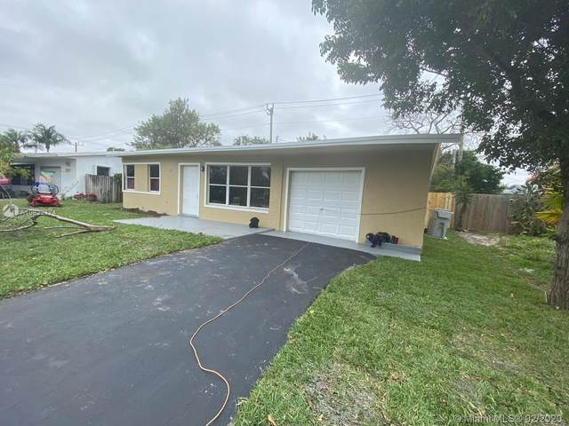 3037 NE 14th Ave, Pompano Beach, FL 33064 (MLS #A10822174) :: The Riley Smith Group