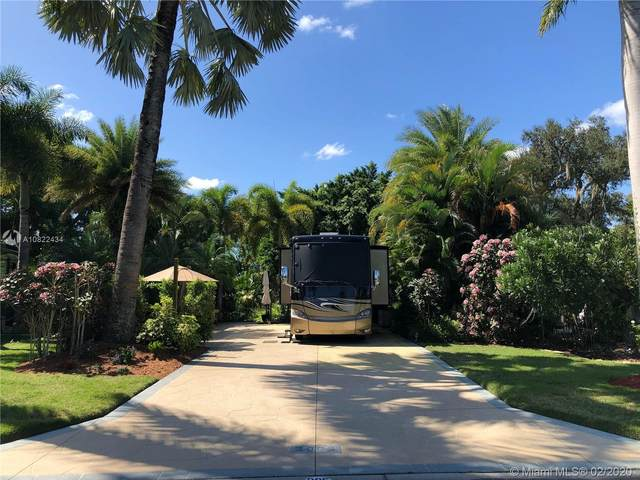 3005 Riverboat Lndg, La Belle, FL 33935 (MLS #A10822434) :: Grove Properties