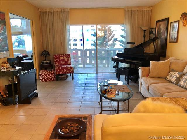 4330 Hillcrest Dr #412, Hollywood, FL 33021 (MLS #A10822555) :: The Levine Team