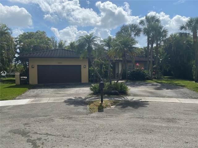 14861 Dunbarton Pl, Miami Lakes, FL 33016 (MLS #A10822628) :: Berkshire Hathaway HomeServices EWM Realty