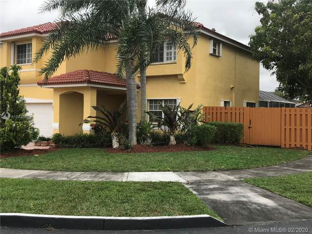 10034 SW 164th Pl, Miami, FL 33196 (MLS #A10823006) :: Berkshire Hathaway HomeServices EWM Realty