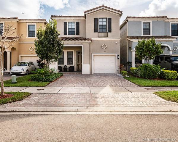 670 NE 191st Ter, Miami, FL 33179 (MLS #A10823602) :: THE BANNON GROUP at RE/MAX CONSULTANTS REALTY I