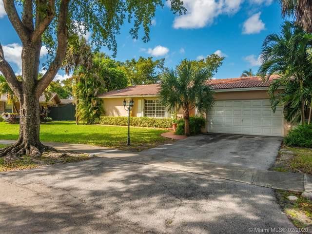 6741 Stonehaven Rd, Miami Lakes, FL 33014 (MLS #A10825037) :: Berkshire Hathaway HomeServices EWM Realty