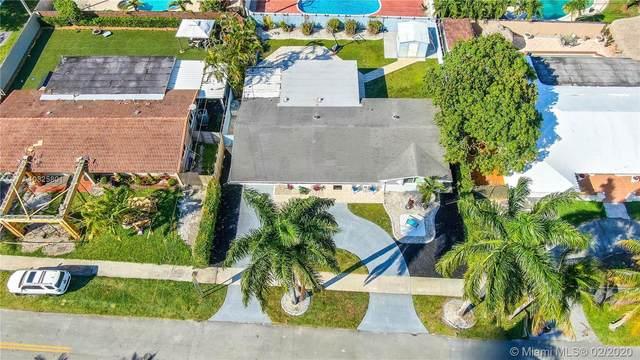 1585 W 77th St, Hialeah, FL 33014 (MLS #A10825801) :: Berkshire Hathaway HomeServices EWM Realty