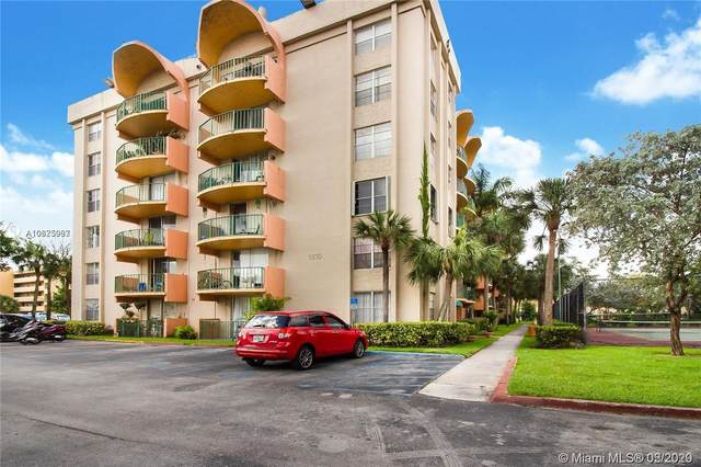 9310 Fontainebleau Blvd #107, Miami, FL 33172 (MLS #A10825993) :: The Adrian Foley Group