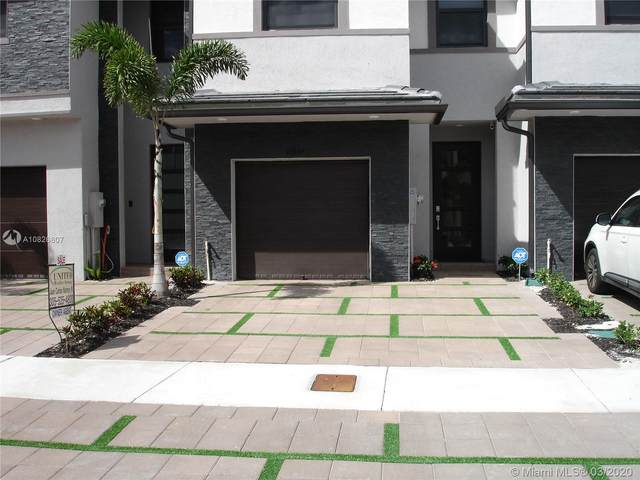 15834 NW 91st Ct #15834, Miami Lakes, FL 33018 (MLS #A10826607) :: THE BANNON GROUP at RE/MAX CONSULTANTS REALTY I