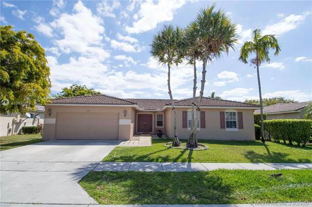 2117 SW 119th Ave, Miramar, FL 33025 (MLS #A10827018) :: The Teri Arbogast Team at Keller Williams Partners SW