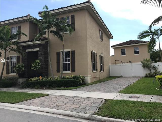 17034 SW 94th Ln, Miami, FL 33196 (MLS #A10828665) :: THE BANNON GROUP at RE/MAX CONSULTANTS REALTY I