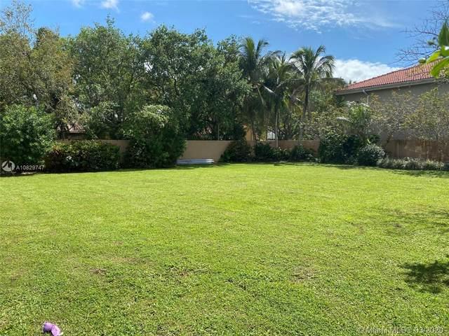 16022 NW 83 Ct, Miami Lakes, FL 33016 (MLS #A10829747) :: Albert Garcia Team